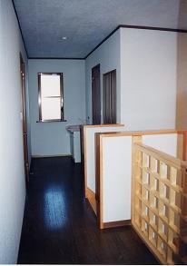 二階ローカ